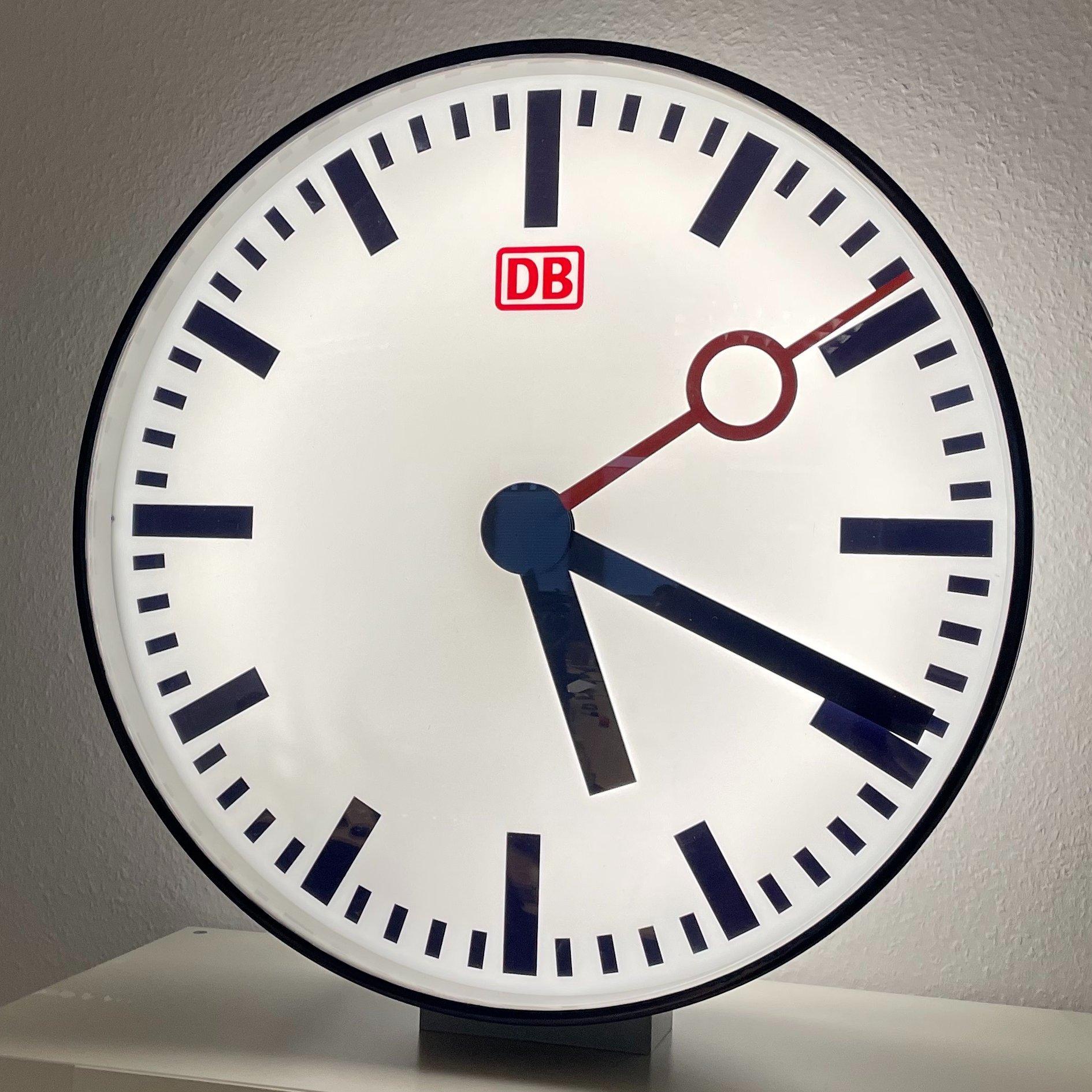 Lobaro DB Bahnhofsuhr